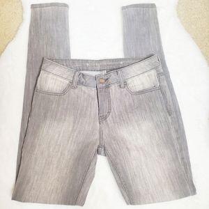 JENNIFER LOPEZ | Gray Skinny Jegging Jeans